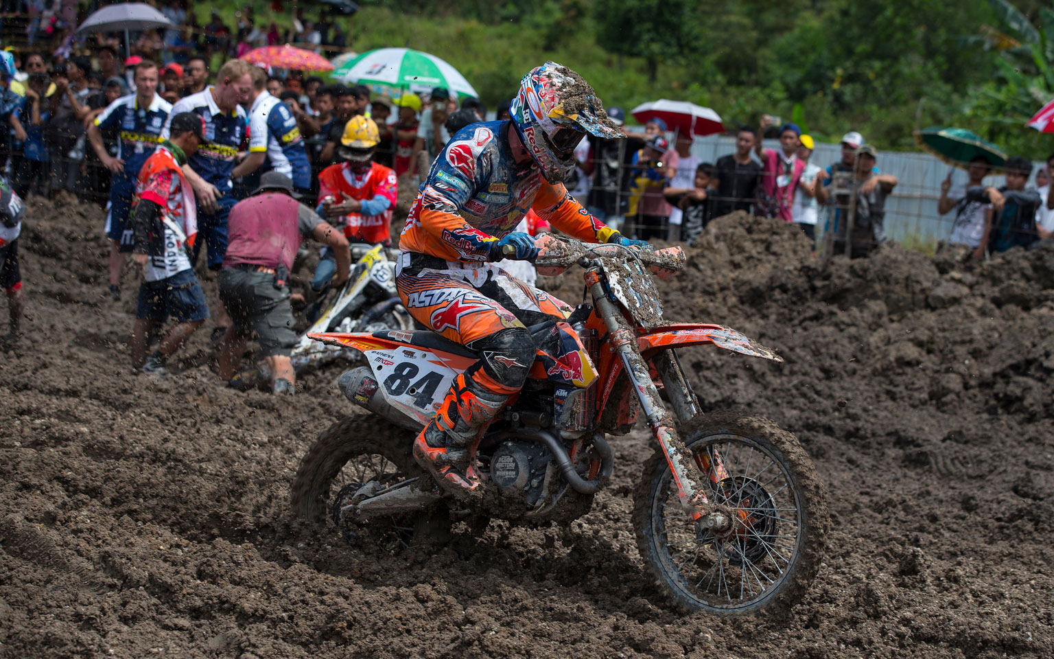 The mud of Indonesia was tough for the current MX2 world champ