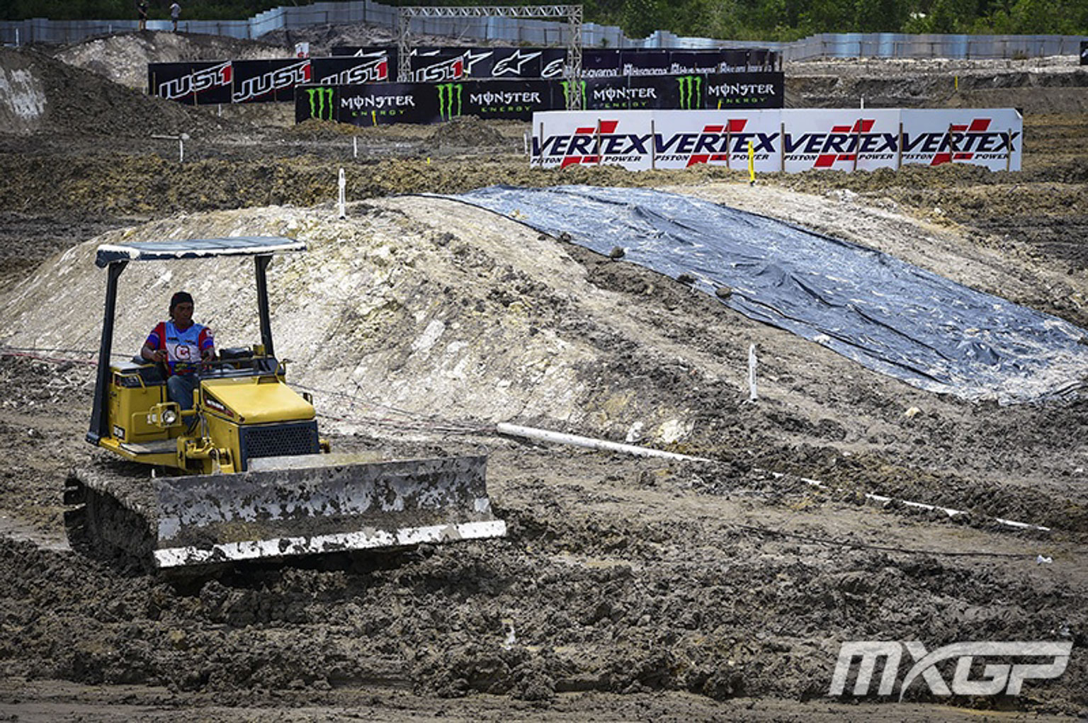 Tractor_MXGP_2_IND_2017