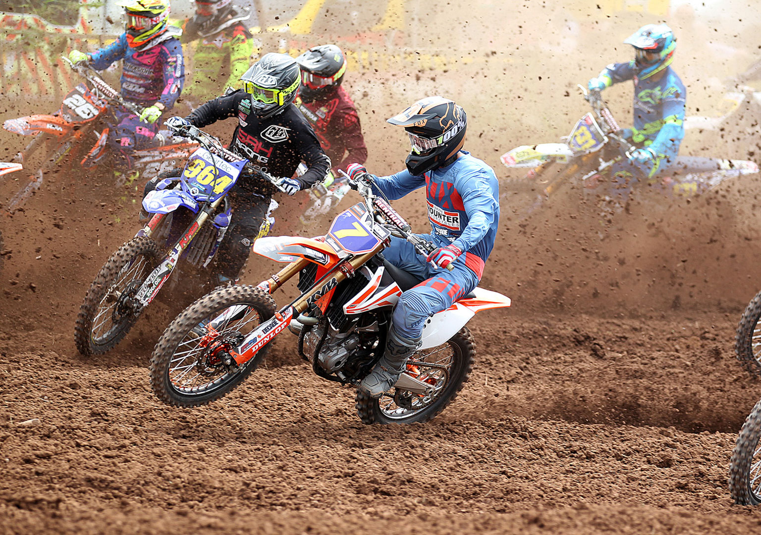 Cory McShane(7) in early MX2 action