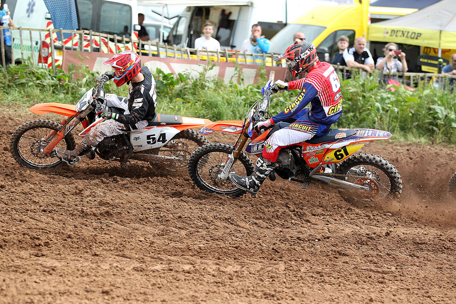 Dylan Hodgkins(54) and Jack Waterman in 2T action