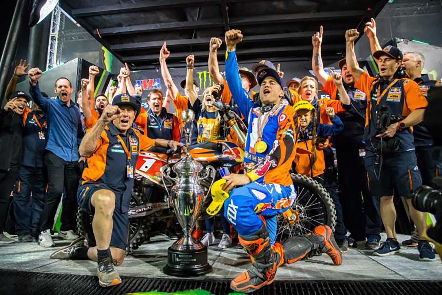 Dungey celebrates with team KTM