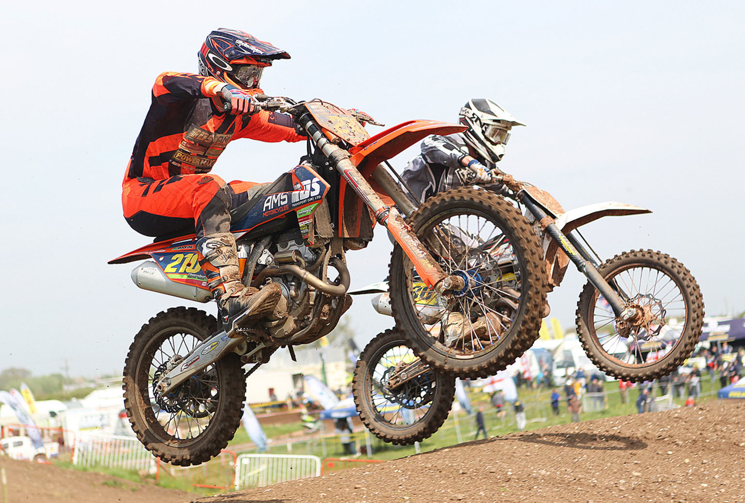 Lee Truman(210) about to make a pass on a MX2 rival