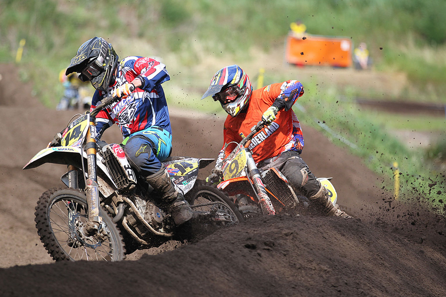 Bradley Tranter leading Jamie Lucas(9) in moto three