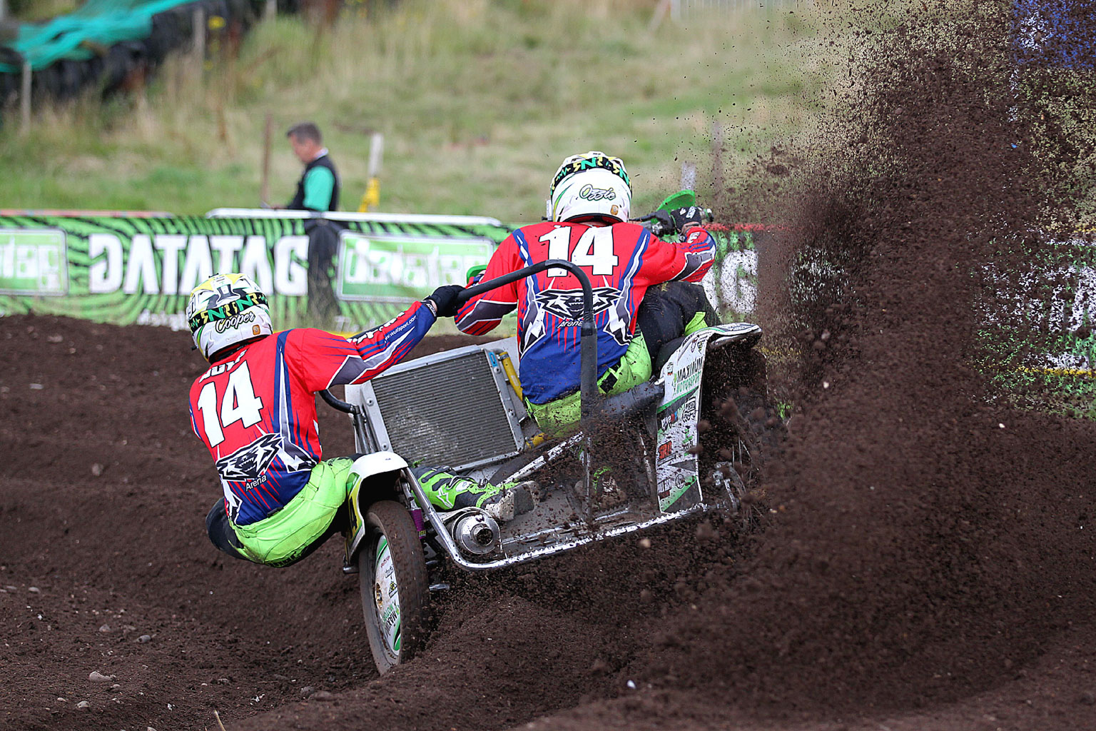 Sam Osbaldiston and Nathan Cooper in IMBA Sidecar action