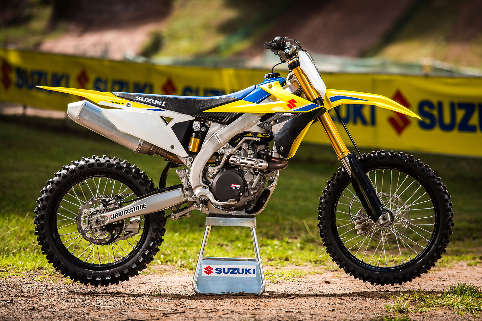 suzuki sets aggressive price for 2018 rmz450 motohead. Black Bedroom Furniture Sets. Home Design Ideas