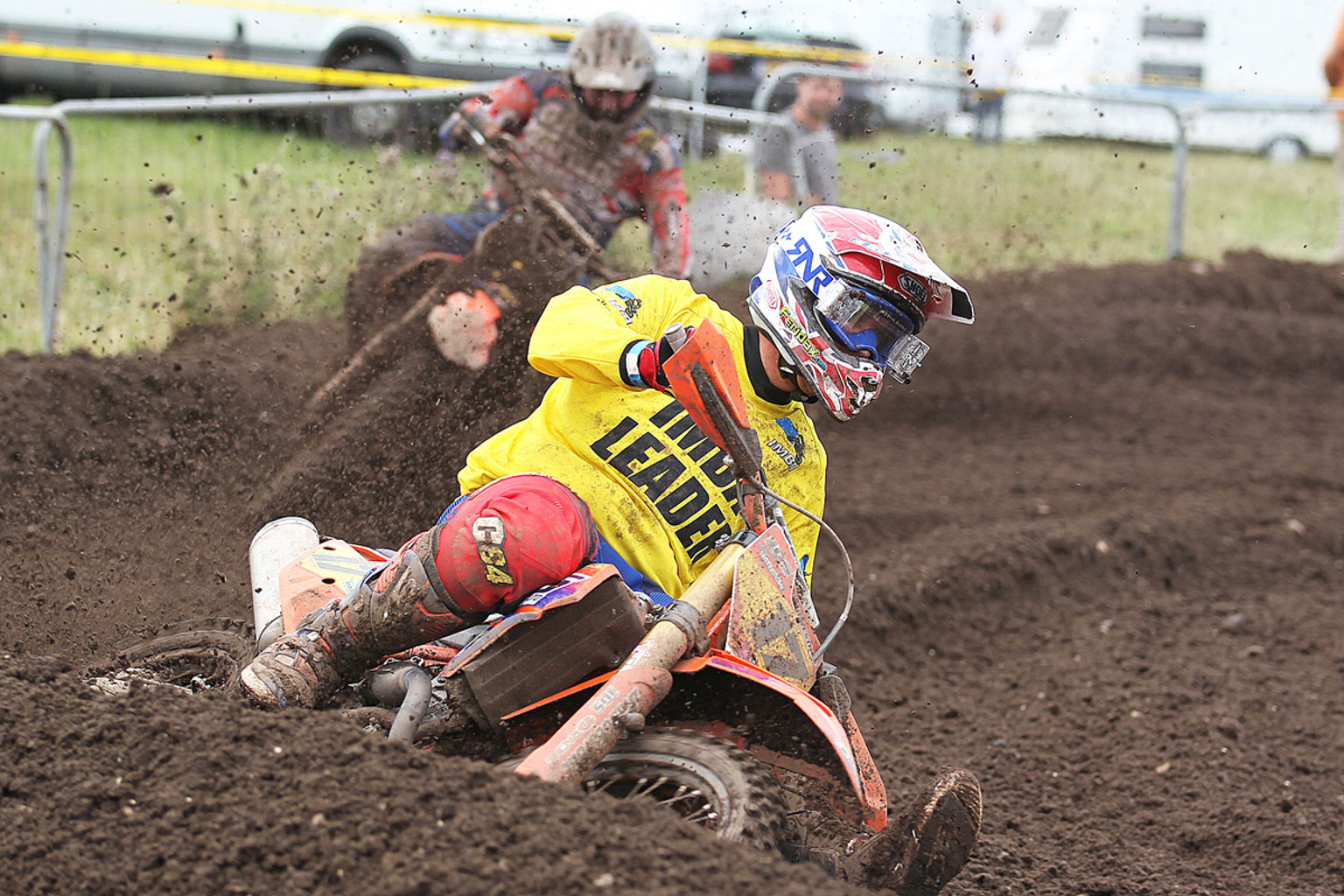 Josh Waterman leading Ray Rowson in MX2 moto two