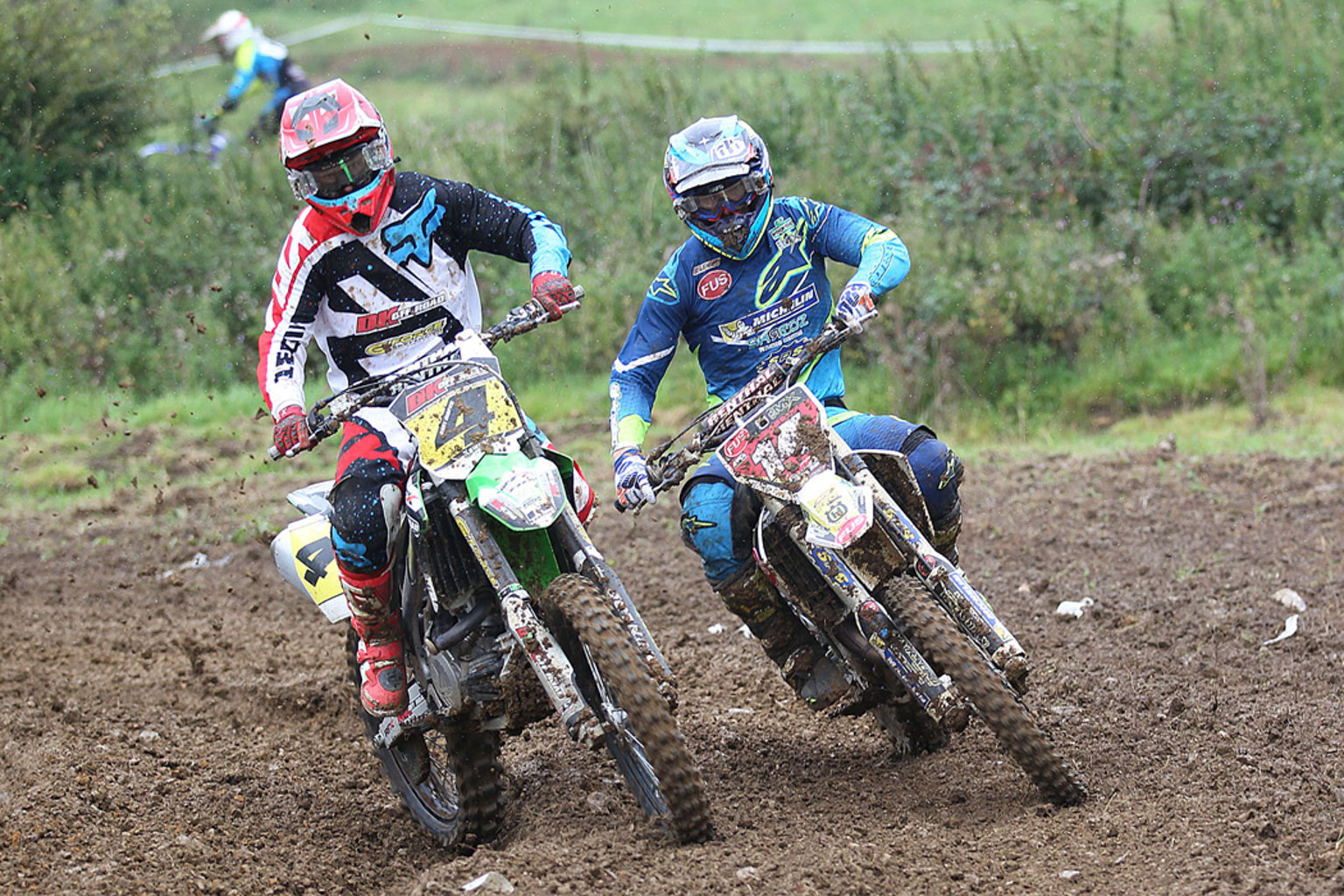 Close MX1 action from Gary Gibson(4) and Luke Burton