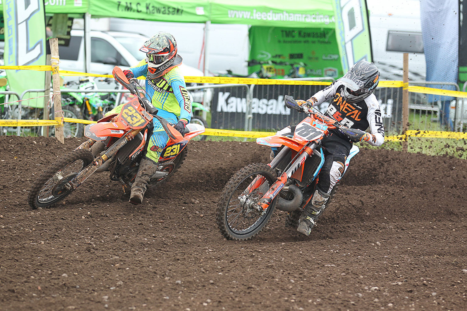 Rory Jones(231) and James Lane(781) in 2T action