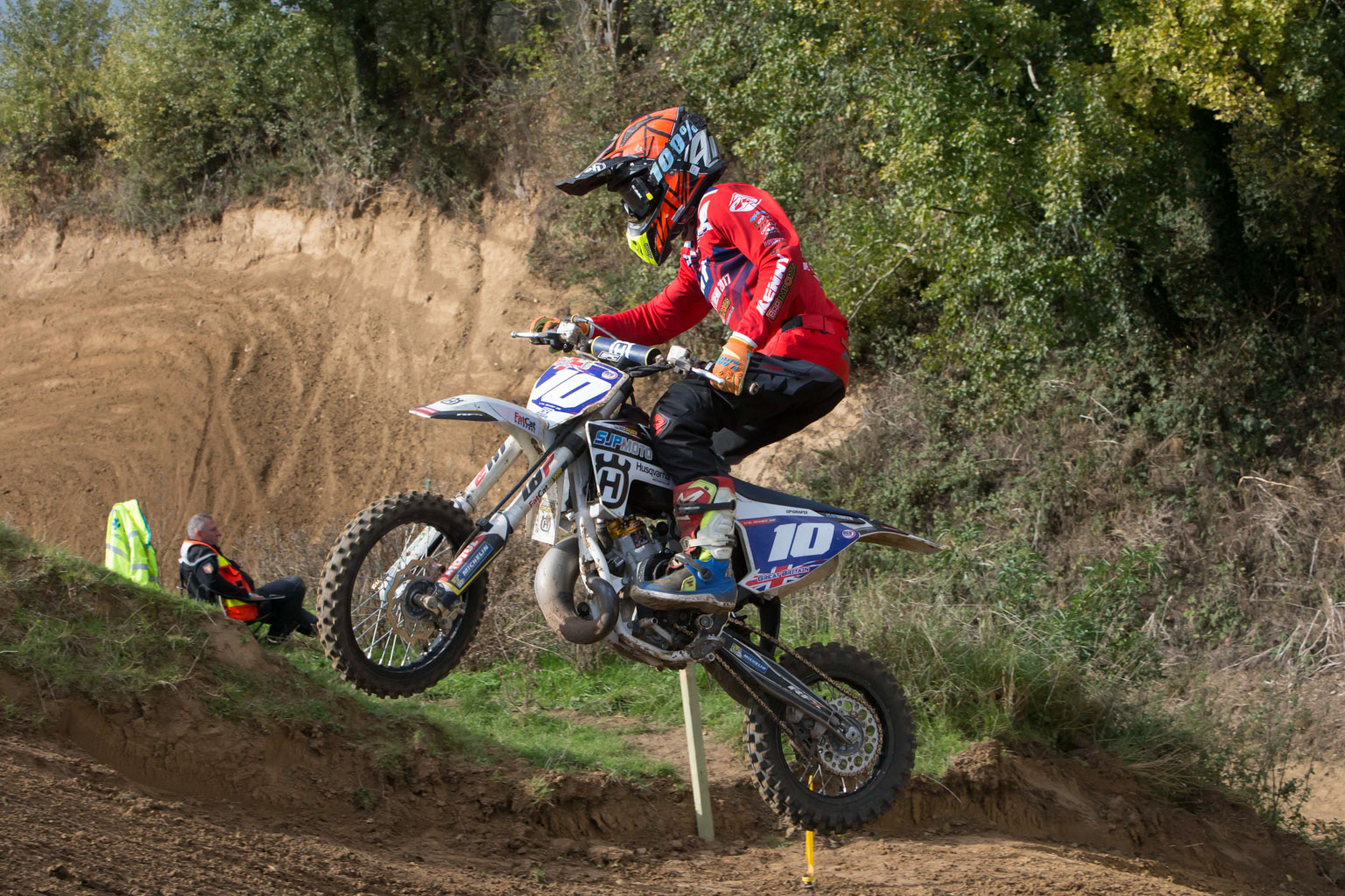 Wal Beaney (Husqvarna, GB) was styling!