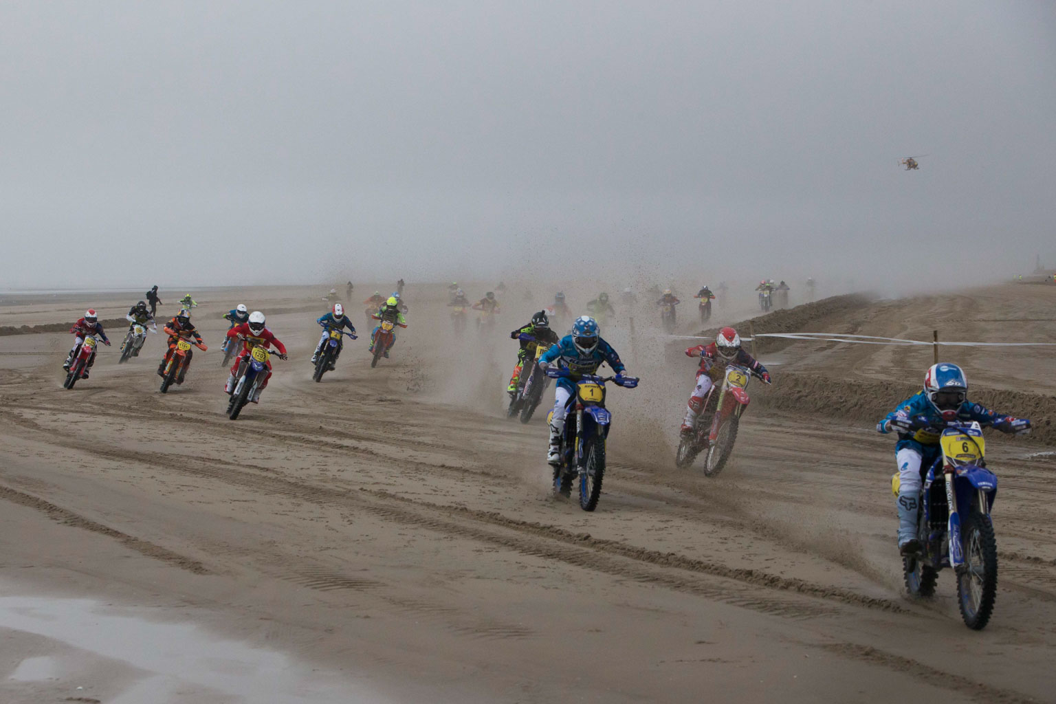 The first turn with Brossier from Martins, Degousee, Potisek and Watson