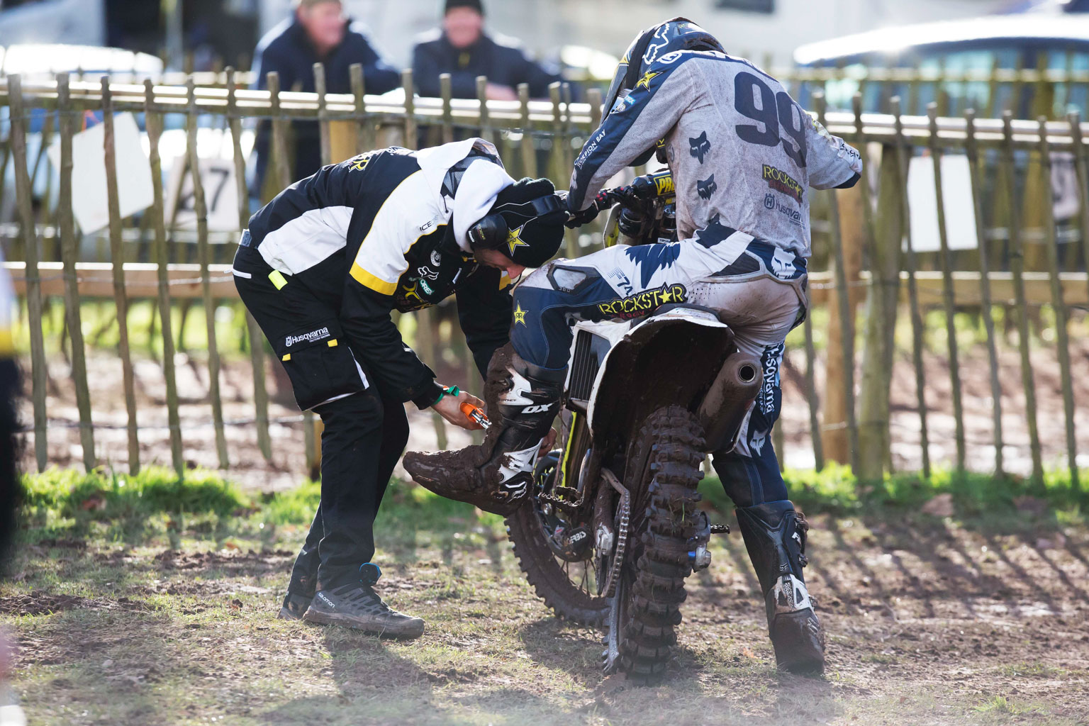 His mechanic tries to solve Anstie's boot problem but to no avail