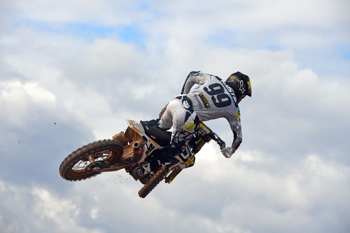 Anstie flies to second place. Photo: S. Talgioni/ Husqvarna Images